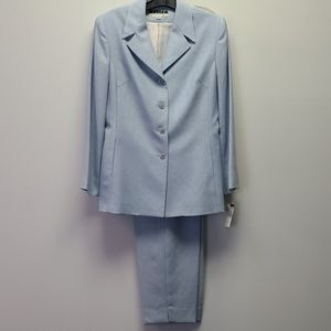 Woman's Blue Pant Suit Size 14 NWT